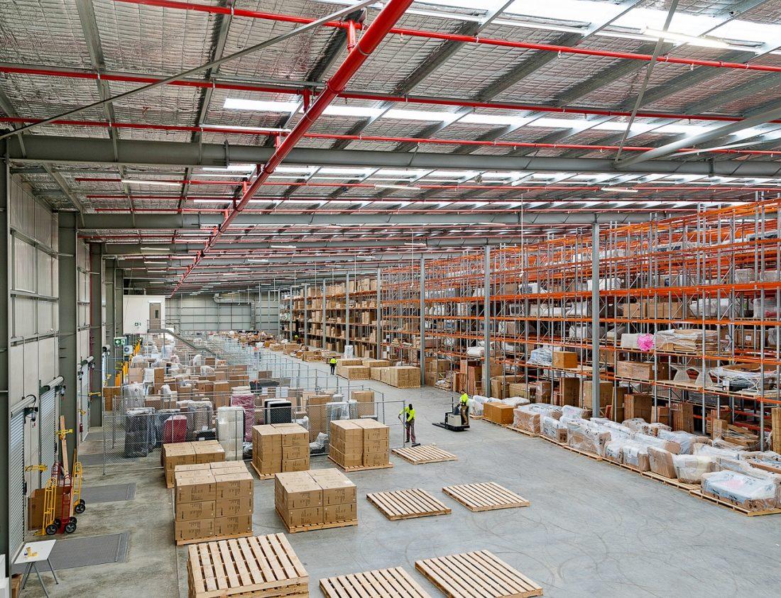 Akura Blog Selecting a Warehouse Management System akura.com